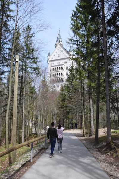 Neuschwanstein castle trail with people