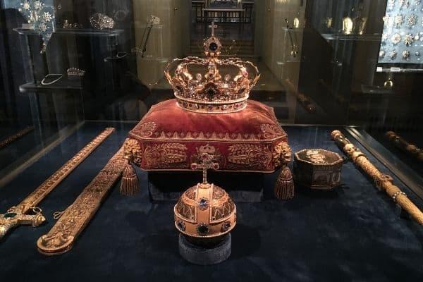 Crown and scepter Schatzkammer Residenz Munich