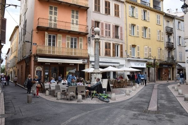 outdoor cafe diners Antibes France