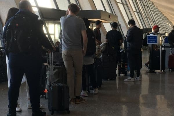Airport checkin lines avoided if travel alone