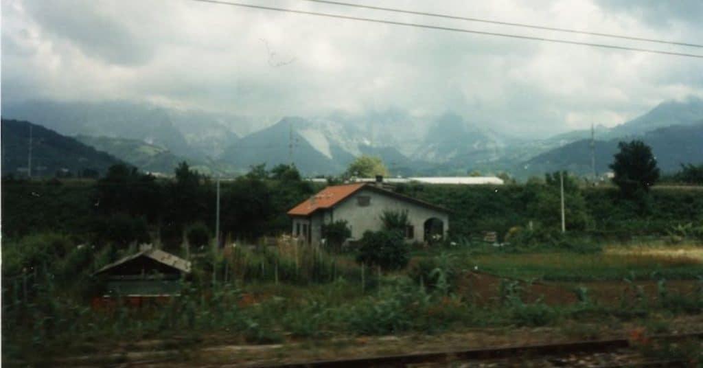 Italian-countryside-from-train