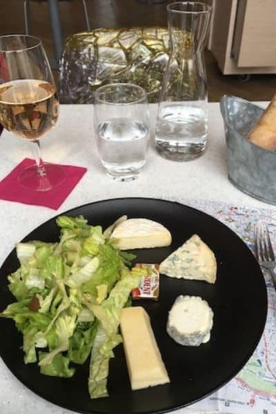 Paris meal and walking map