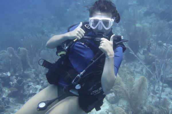 Underwater diver Belize water activity tips and tricks
