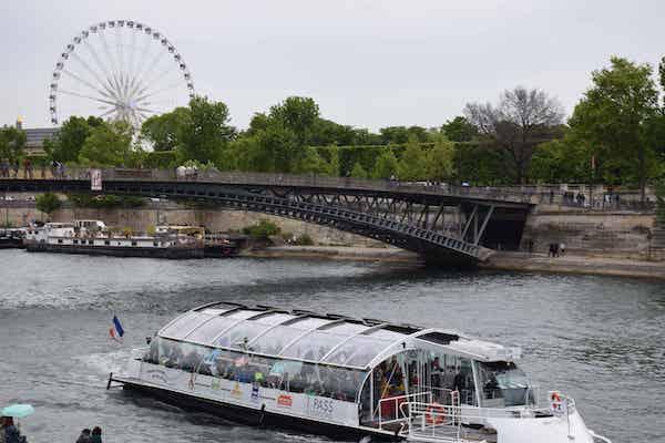 Batobus on Siene on day 1 of 4 days in Paris