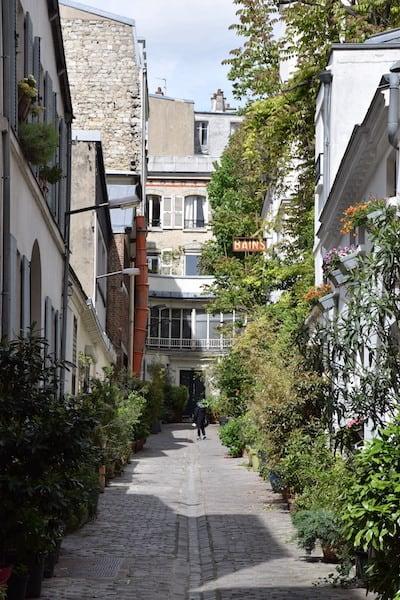 Montmartre Paris alley