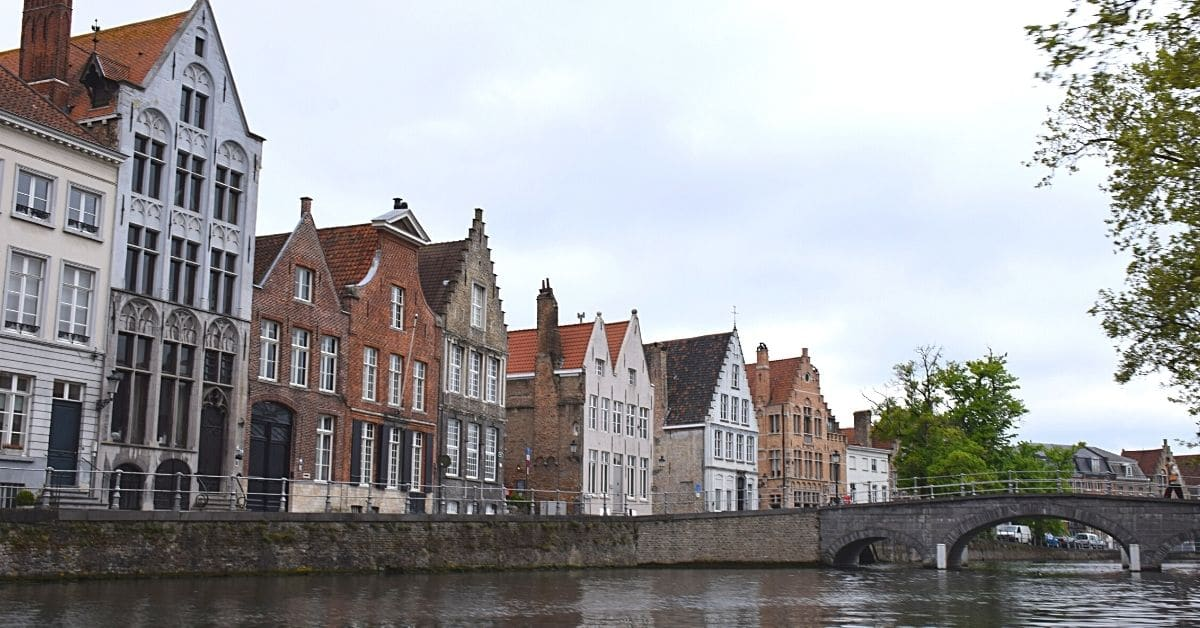 Bruges buildings and canal