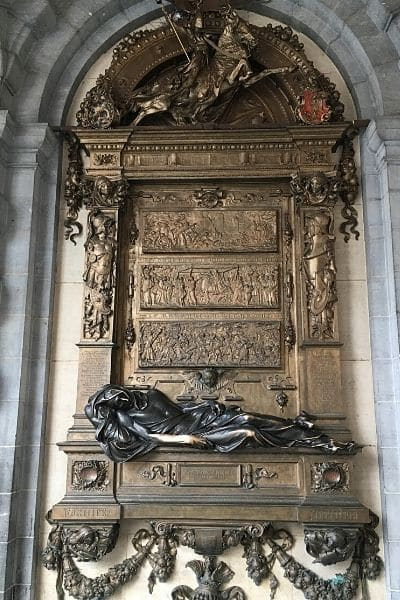 Statue of Everard t'Serclaes Brussels