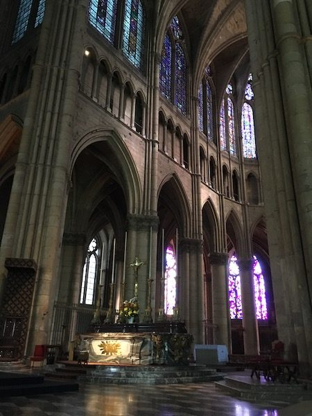 Altar inside Reims Cathedral_4078